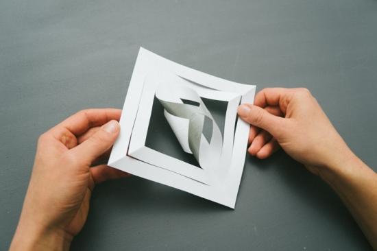 Объемные снежинки из бумаги (14)
