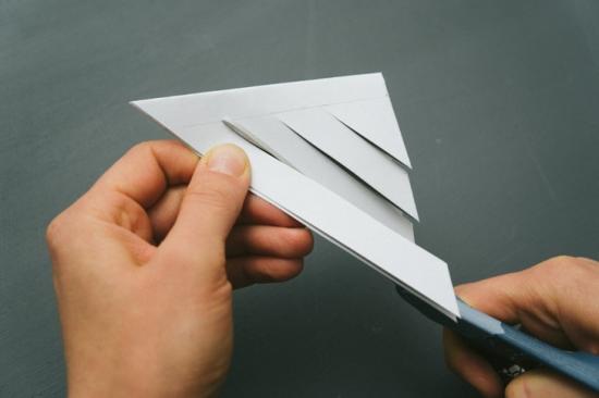 Объемные снежинки из бумаги (22)