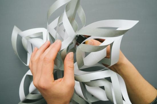 Объемные снежинки из бумаги (5)