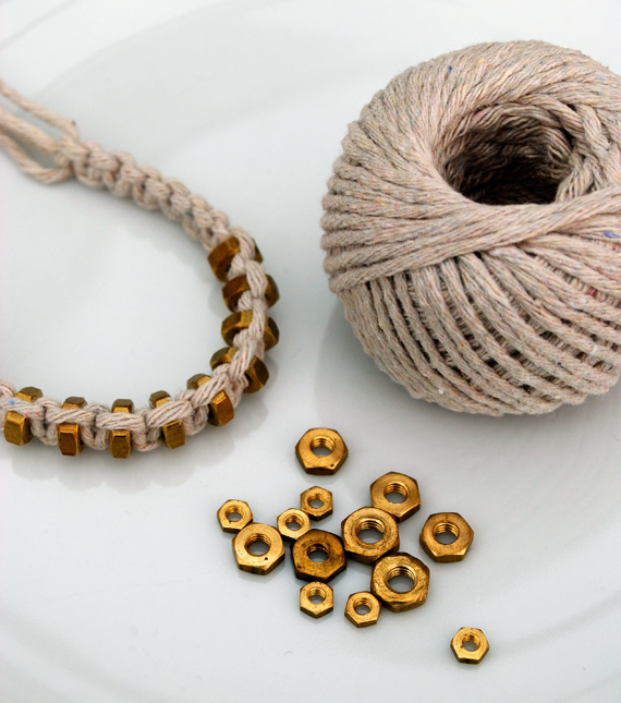 браслеты из шнуров своими руками (1)