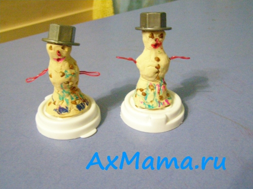 Снеговик из теста - поделки для малышей