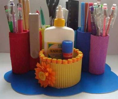 Подставка для карандашей из туалетных рулонов (12)