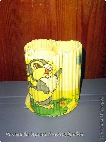 Подставка для карандашей из туалетных рулонов (4)