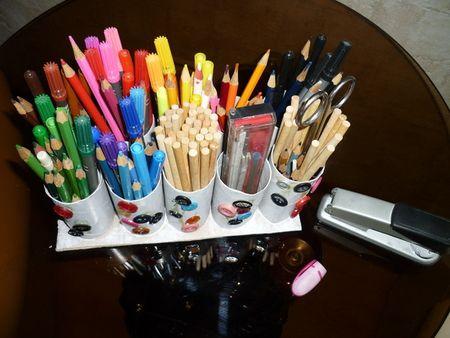 Подставка для карандашей из туалетных рулонов (5)