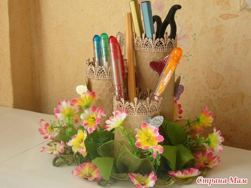 Подставка для карандашей из туалетных рулонов (6)