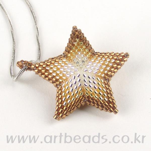 Кулон объемная звезда из бисера (1)