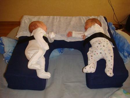 Подушка для кормления двойни фото (1)