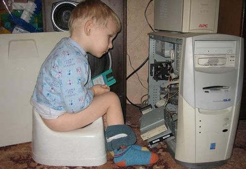 Чем занять годовалого малыша, пока мама занята интернетом