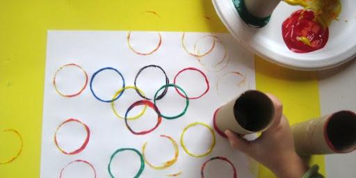 Отпечатки с помощью рулонов от туалетной бумаги (4)