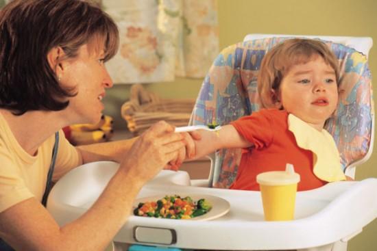 Почему ребенок отказывается от еды