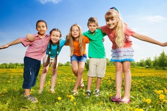 Как научить ребенка дружить с другими детьми