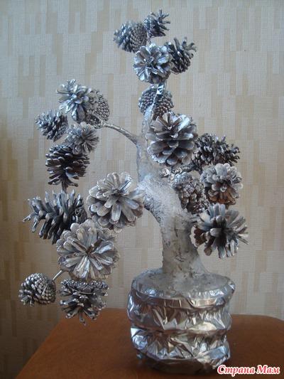 Новогодние поделки из шишек (9)